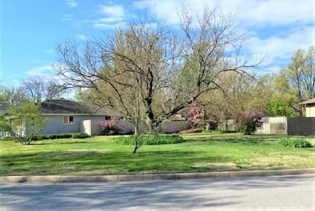 7819 E Pagent, Wichita, KS 67206 (MLS #597759) :: Pinnacle Realty Group