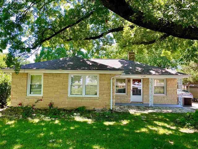 111 N Park St., Winfield, KS 67156 (MLS #597827) :: Kirk Short's Wichita Home Team