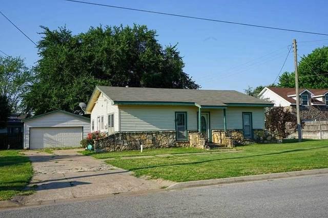 411 W Avenue D Ct, Garden Plain, KS 67050 (MLS #597835) :: Graham Realtors