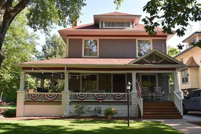 1219 W Riverside Ave, Wichita, KS 67203 (MLS #597866) :: Kirk Short's Wichita Home Team