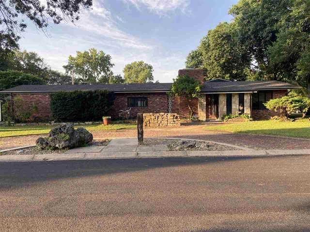 822 W 4th St, Halstead, KS 67056 (MLS #597896) :: Pinnacle Realty Group