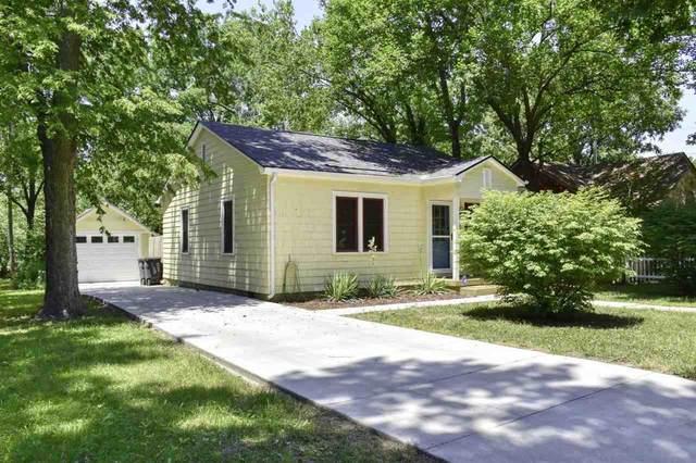 405 Indiana St, Winfield, KS 67156 (MLS #597927) :: Kirk Short's Wichita Home Team