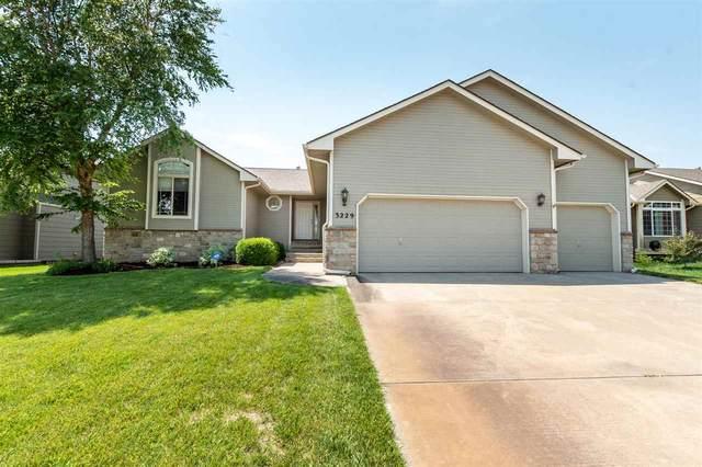 3229 S Blue Lake Ct, Wichita, KS 67215 (MLS #597955) :: Graham Realtors