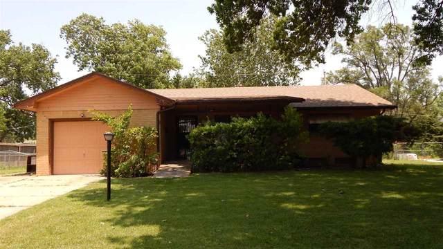 842 N Redbarn Ln, Wichita, KS 67212 (MLS #598172) :: COSH Real Estate Services