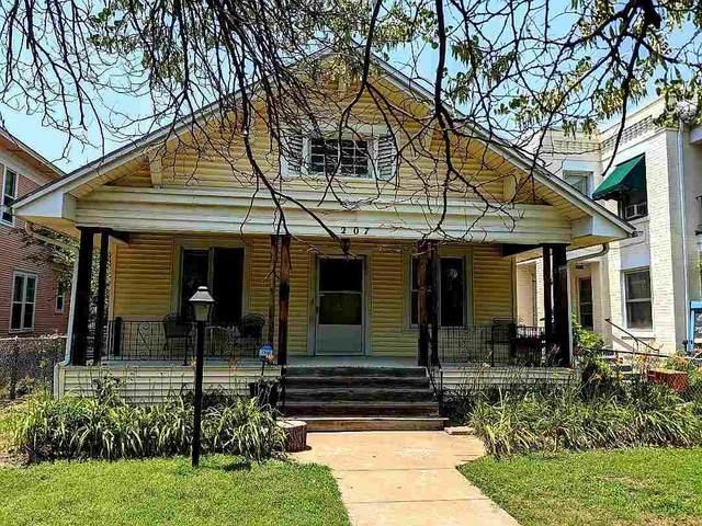 207 S Fern Ave, Wichita, KS 67213 (MLS #598206) :: The Boulevard Group