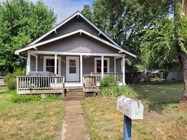 901 Boyd Ave, Newton, KS 67114 (MLS #598369) :: The Boulevard Group