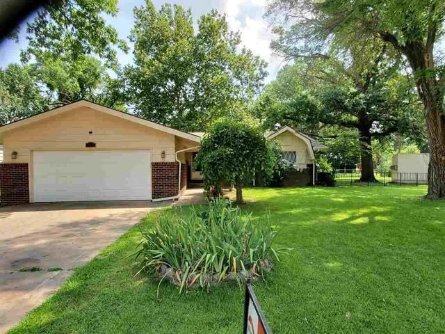1110 N Waddington Ave, Wichita, KS 67212 (MLS #599048) :: Kirk Short's Wichita Home Team