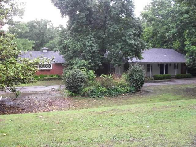 6 Edgewood, Arkansas City, KS 67005 (MLS #599049) :: The Terrill Team