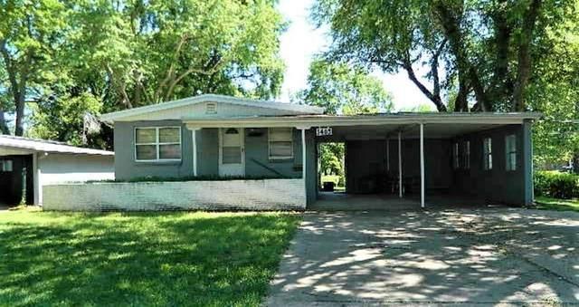 1403 Elizabeth, Winfield, KS 67156 (MLS #599082) :: The Boulevard Group