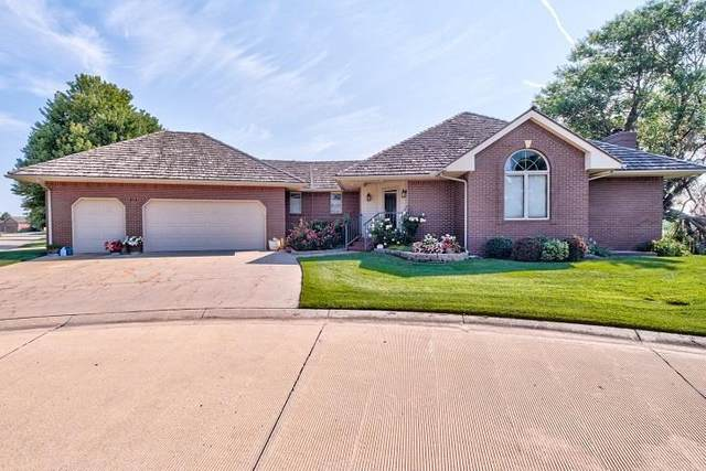 122 Kingsway, Hesston, KS 67062 (MLS #599719) :: Kirk Short's Wichita Home Team