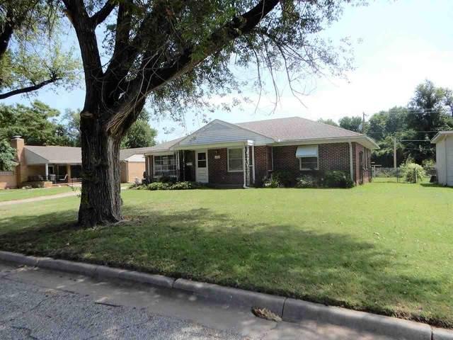 1220 N C Street, Arkansas City, KS 67005 (MLS #599731) :: Graham Realtors