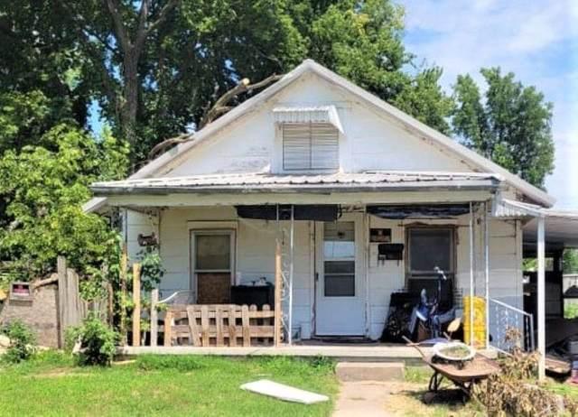 1124 S 3rd St, Arkansas City, KS 67005 (MLS #599771) :: COSH Real Estate Services