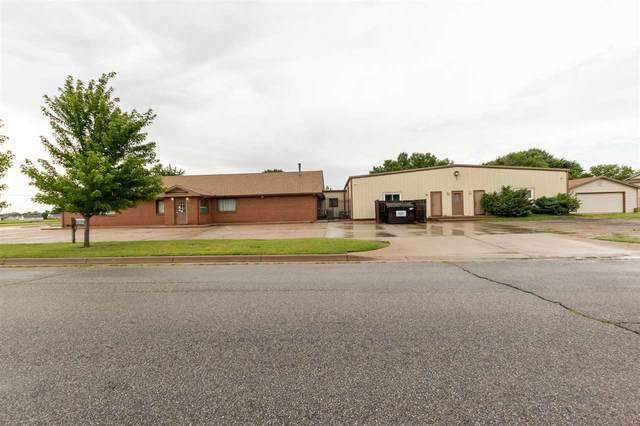 984 E Grand, Haysville, KS 67060 (MLS #599812) :: The Terrill Team