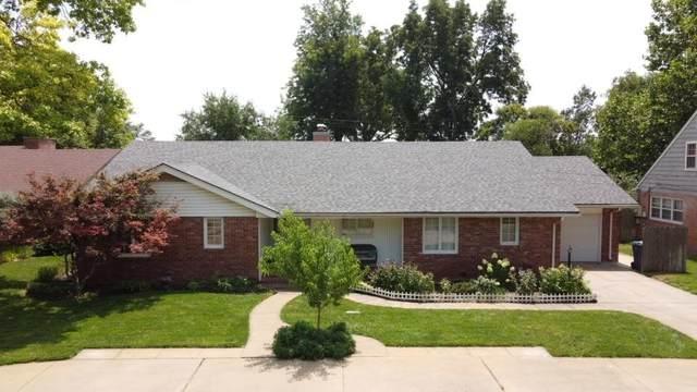 103 W 30th Ave, Hutchinson, KS 67502 (MLS #600106) :: Kirk Short's Wichita Home Team