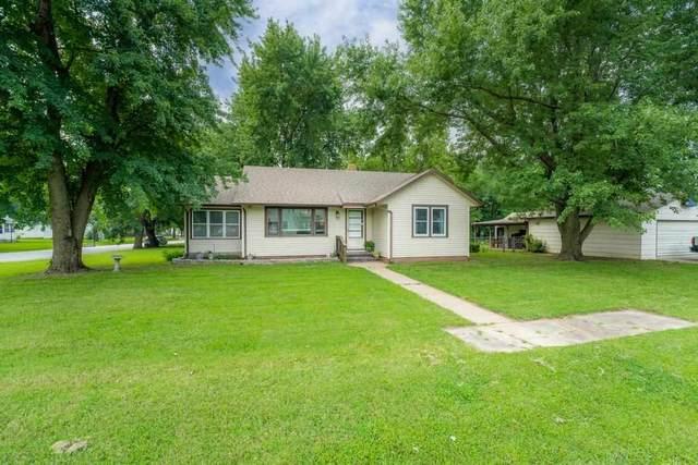 205 S Lee St, Clearwater, KS 67026 (MLS #600237) :: Keller Williams Hometown Partners