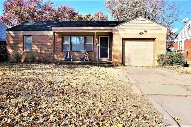 2059 S Ridgewood Dr, Wichita, KS 67218 (MLS #600282) :: The Terrill Team