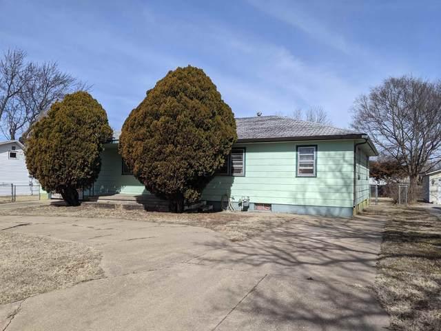 422 SE 8th, Newton, KS 67114 (MLS #601022) :: COSH Real Estate Services