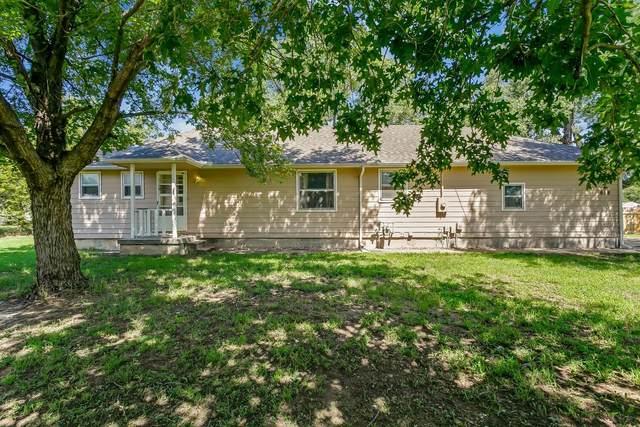 618 W 36th St N, Wichita, KS 67204 (MLS #601258) :: COSH Real Estate Services