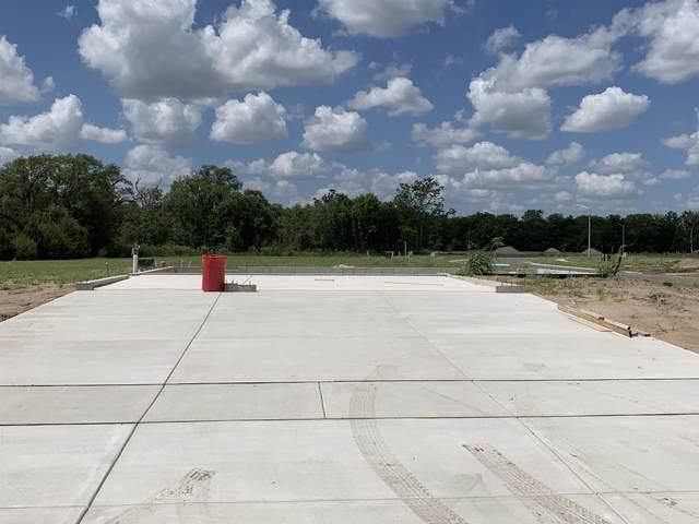 3201 E Shoffner Ct, Wichita, KS 67216 (MLS #601716) :: Matter Prop