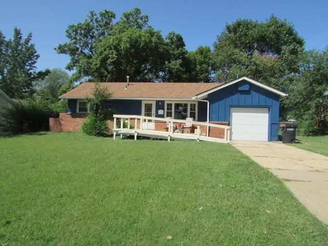 1805 Meadowlake, Augusta, KS 67010 (MLS #601813) :: COSH Real Estate Services