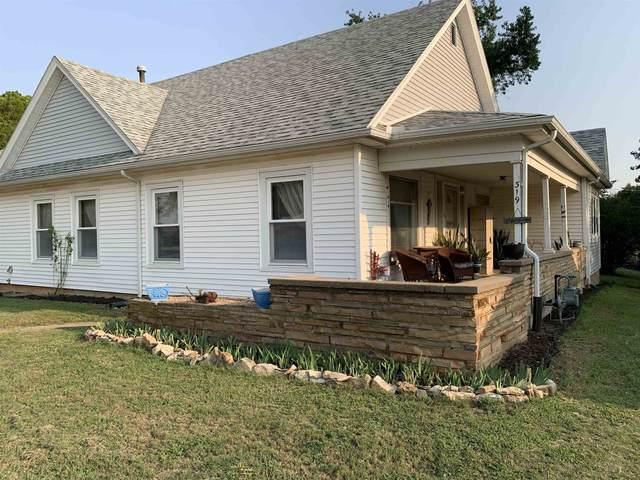 319 E Copeland Ave, Kingman, KS 67068 (MLS #601891) :: COSH Real Estate Services