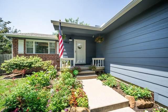 1623 S Red Oaks St, Wichita, KS 67207 (MLS #602073) :: Keller Williams Hometown Partners