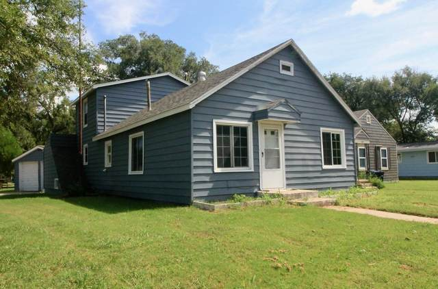 330 Residence St, El Dorado, KS 67042 (MLS #602139) :: Kirk Short's Wichita Home Team