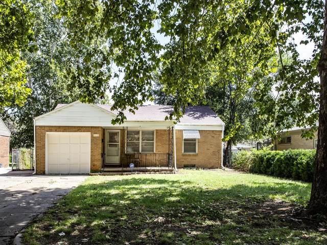2338 S Chautauqua Ave, Wichita, KS 67211 (MLS #602178) :: Keller Williams Hometown Partners
