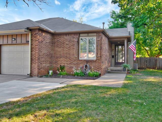 1114 S Capri Ln, Wichita, KS 67207 (MLS #602277) :: Pinnacle Realty Group