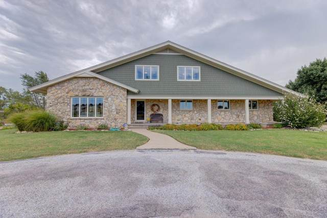2540 Valley View Dr, Arkansas City, KS 67005 (MLS #602335) :: Kirk Short's Wichita Home Team