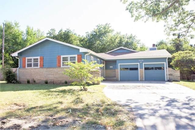 2119 S Bluff Ct, Wichita, KS 67218 (MLS #602432) :: Graham Realtors