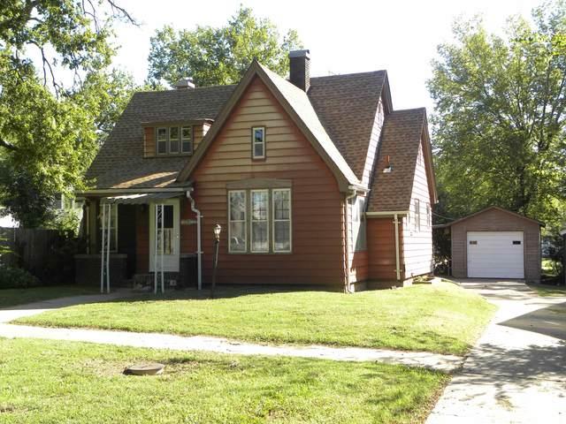 212 S Mulberry, Eureka, KS 67045 (MLS #602463) :: Kirk Short's Wichita Home Team