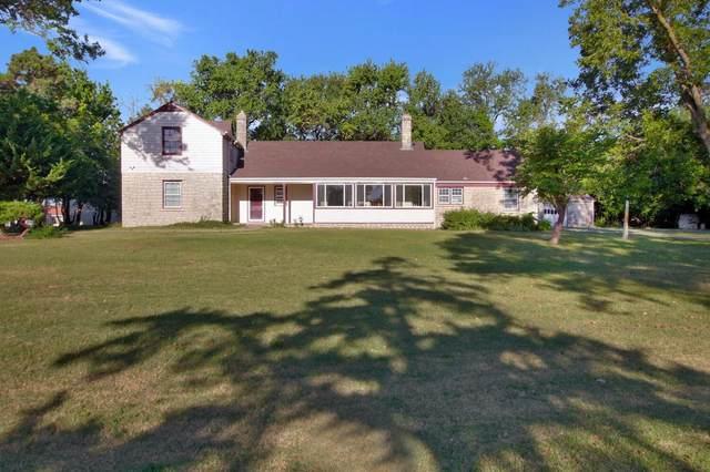 9 N Crestview Lakes Drive, Wichita, KS 67220 (MLS #602549) :: Matter Prop