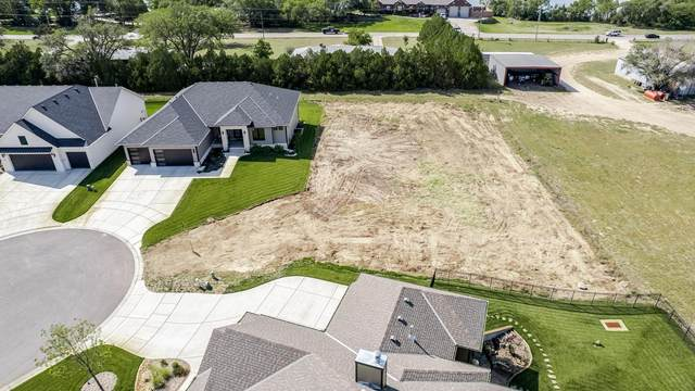 2721 N Curtis Ct, Wichita, KS 67205 (MLS #602625) :: Kirk Short's Wichita Home Team