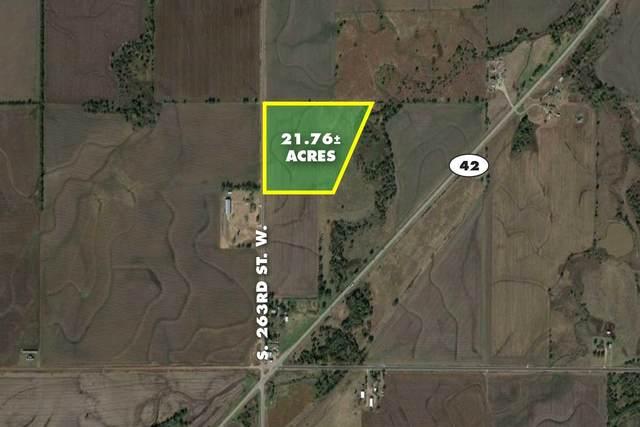 21.76 Acres On 263rd St W, Viola, KS 67149 (MLS #602960) :: Matter Prop