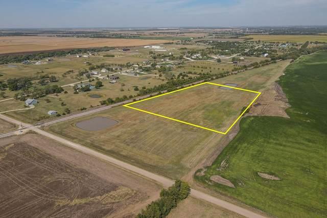 5.93 +/- Acres 95th St., Haysville, KS 67060 (MLS #603067) :: Matter Prop