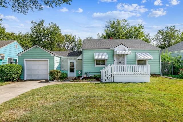 1136 N Grove Ave, Wichita, KS 67214 (MLS #603162) :: The Terrill Team