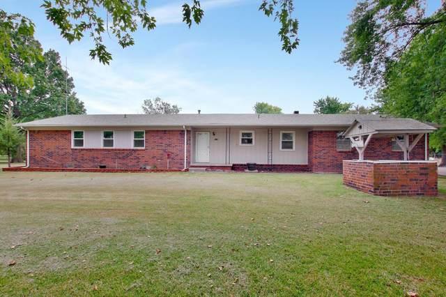 1212 N Jerrick Rd, Belle Plaine, KS 67013 (MLS #603184) :: Matter Prop