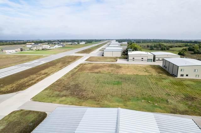 1570 S Aviator Ln, Benton, KS 67017 (MLS #603235) :: Matter Prop