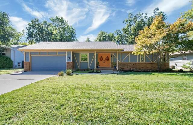 1101 E Chestnut Rd, Derby, KS 67037 (MLS #603407) :: Kirk Short's Wichita Home Team