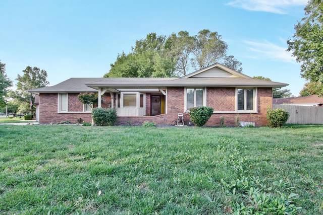 1739 N Lark Ln, Wichita, KS 67212 (MLS #603465) :: Graham Realtors