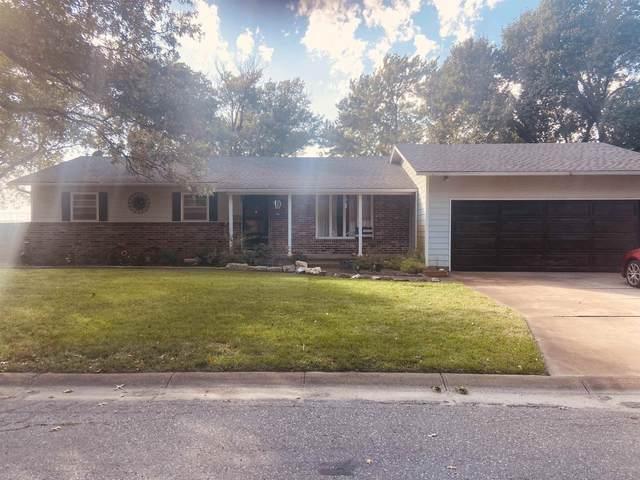 305 Wills Ln, Halstead, KS 67056 (MLS #603781) :: Kirk Short's Wichita Home Team