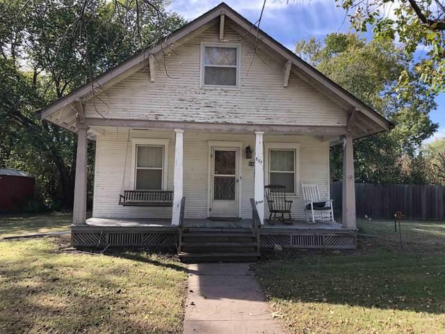 807 N Vine, Peabody, KS 93635 (MLS #603843) :: Kirk Short's Wichita Home Team