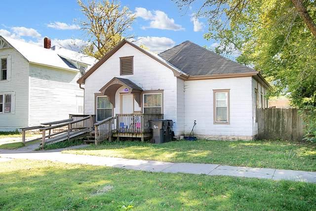 209 E 4th St, Newton, KS 67114 (MLS #603987) :: Kirk Short's Wichita Home Team