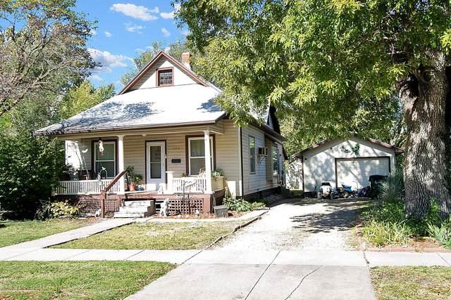 404 E 9th St, Newton, KS 67114 (MLS #603988) :: Kirk Short's Wichita Home Team