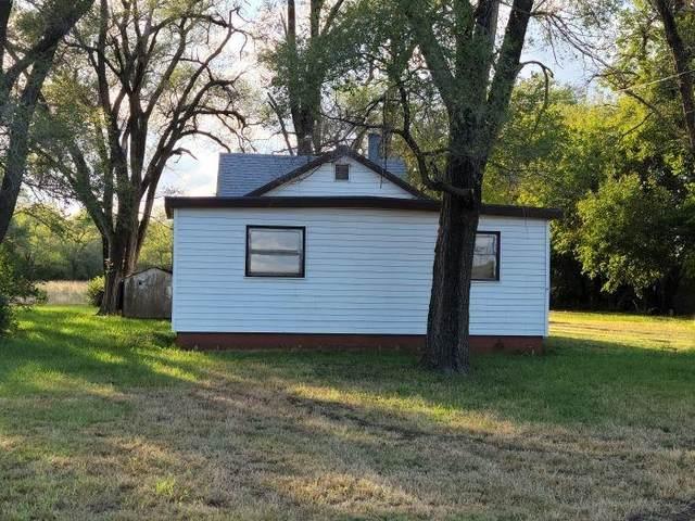 2601 S Lorraine St, Hutchinson, KS 67501 (MLS #603995) :: Kirk Short's Wichita Home Team