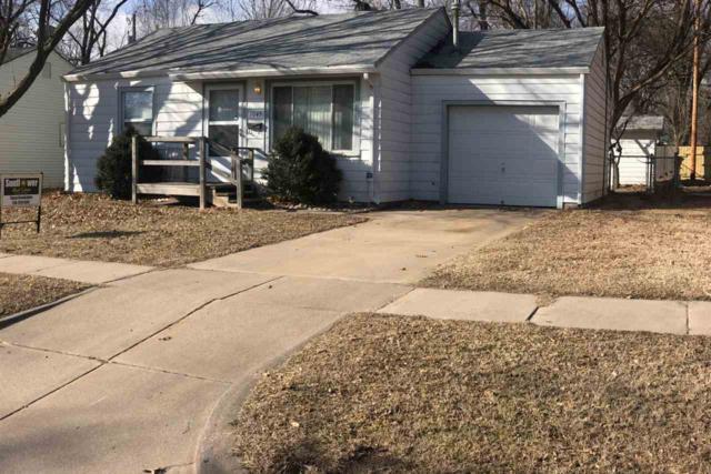 1045 S Waverly St, Wichita, KS 67218 (MLS #546382) :: Select Homes - Team Real Estate