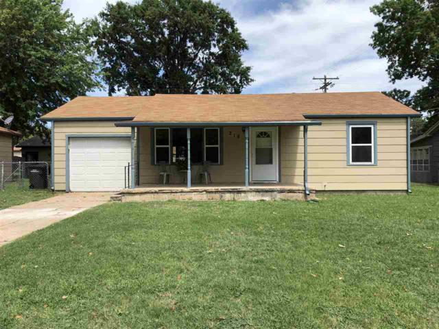 218 Stanley Dr, Arkansas City, KS 67005 (MLS #555150) :: Better Homes and Gardens Real Estate Alliance