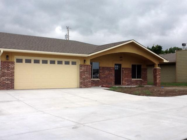 2226 Cottonwood Ct, Winfield, KS 67156 (MLS #556268) :: Wichita Real Estate Connection