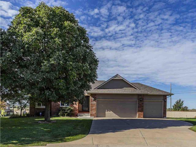 825 N Crest Ct, Wichita, KS 67206 (MLS #556804) :: Select Homes - Team Real Estate